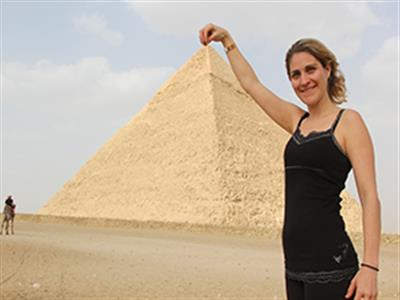 Cairo airport layover tour to Pyramids Giza and Egyptian Museum