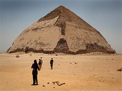 Saqqara Pyramid, Giza Pyramids and Memphis tours Egypt
